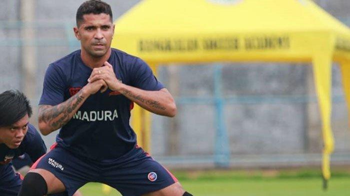Striker Madura United Sedang Bahagia, Anak Keempatnya Lahir Berjenis Kelamin Perempuan