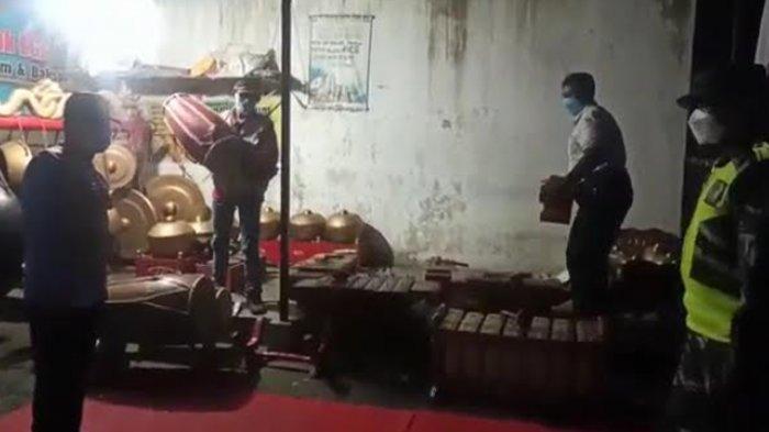 Okum Anggota DPRD Tulungagung Diduga Gelar Pertunjukan Wayang Kulit saat PPKM Level 4