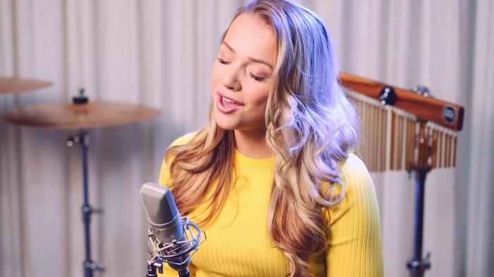 Lirik Lagu Emma Heesters Cinta Luar Biasa Terjemahan Bahasa Indonesia Lifeloenet Lyrics