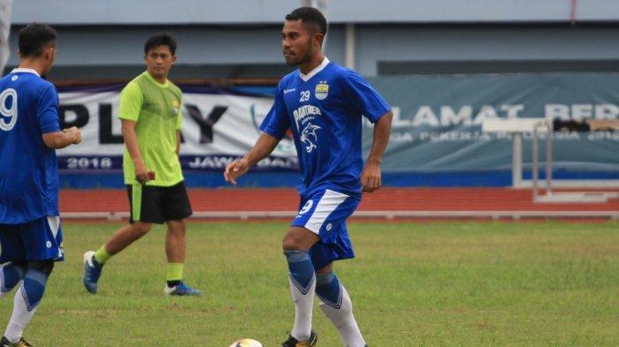 Jelang Persib Bandung Vs Persija Jakarta, Bek Ardi Idrus Siap Duel dengan Riko Simanjuntak