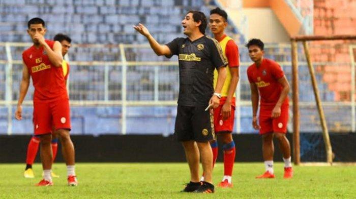 Pelatih Arema FC Eduardo Almeida Bicara Soal Makanan dan Kenyamanan Tinggal di Malang