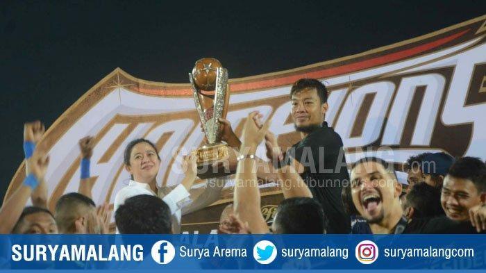 Arema FC Pastikan Belum Ada Rencana Kirap Trofi Piala Presiden 2019