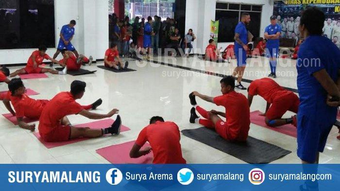 Charis Yulianto Minta Pemain Arema FC Jaga Pola Makan, 'Badan Jangan Sampai Melar!'