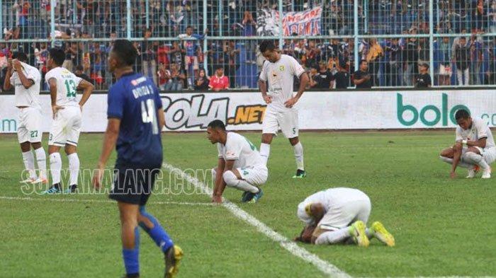 Bajul Ijo Takluk di Kandang Singo Edan, Manajemen Persebaya Segera Putuskan Pelatih Baru