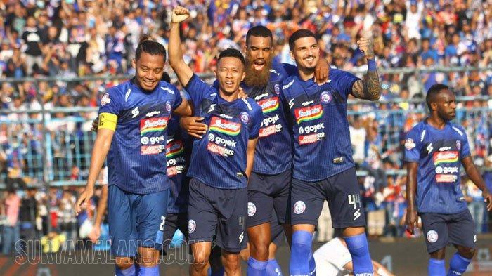 Arema FC Vs Persebaya - Sylvano dengan Warna Jenggot Baru Bawa Singo Edan Unggul Sementara 3-0