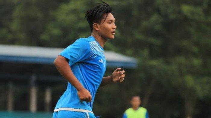 Arema Fc Vs Persebaya -  Ahmad Nur Hardianto Bawa Arema FC Unggul 1-0 di Babak Pertama