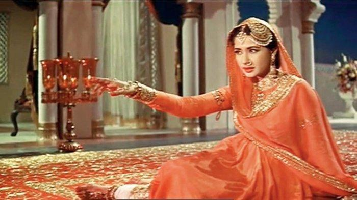 Kisah Pilu Ratu Tragedi di Bollywood, Kebahagiaan Turun Saat Karier Mulai Naik