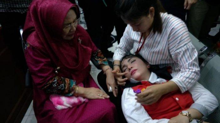 Baru Dituntut Hukuman 5 Tahun Penjara, Roro Fitria Sudah Pingsan