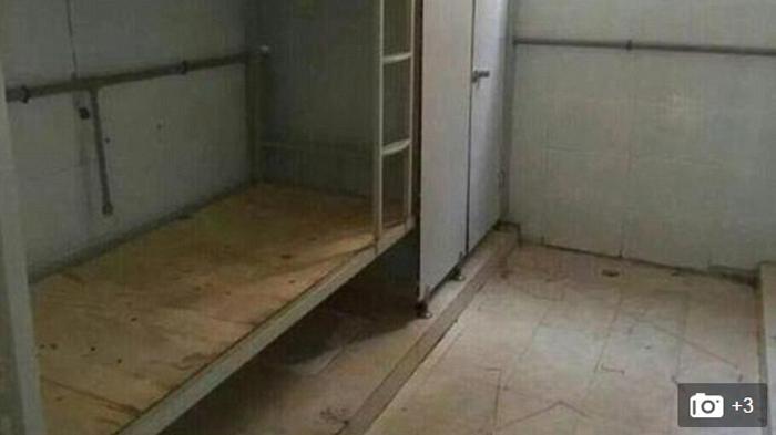 Takut Kena Razia, Cewek Ini Sembunyi di Kolong Ranjang Penginapan, Terbongkar Gara-gara Sepatu