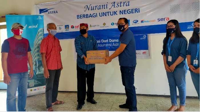 Asuransi Astra Malang Salurkan 125 Paket Sembako