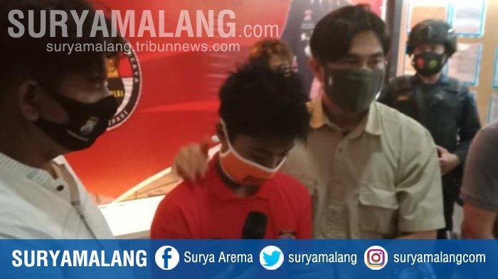 Aw, satu dari empat tersangka pemerkosaan bergilir kepada gadis Sampang, Madura.