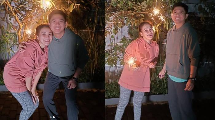Ayu Ting Ting dan kekasihnya Adit Jayusman merayakan pergantian malam tahun baru bersama