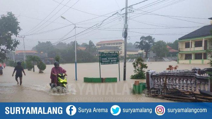 Banjir di Pulau Bawean Gresik, Sejumlah Rumah Warga, Sawah dan Fasilitas Umum di 13 Desa Rusak