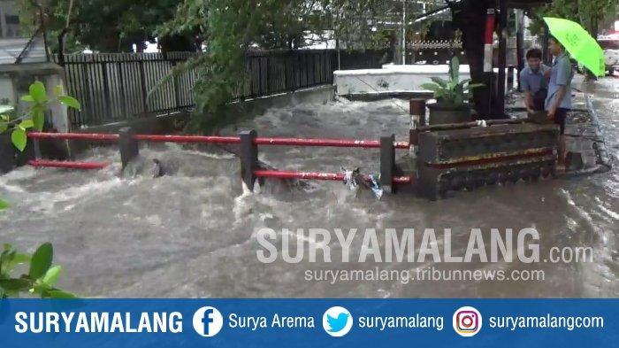 BREAKING NEWS - Inilah Titik di Kota Malang yang Dikepung Banjir Setinggi Pinggul Orang Dewasa