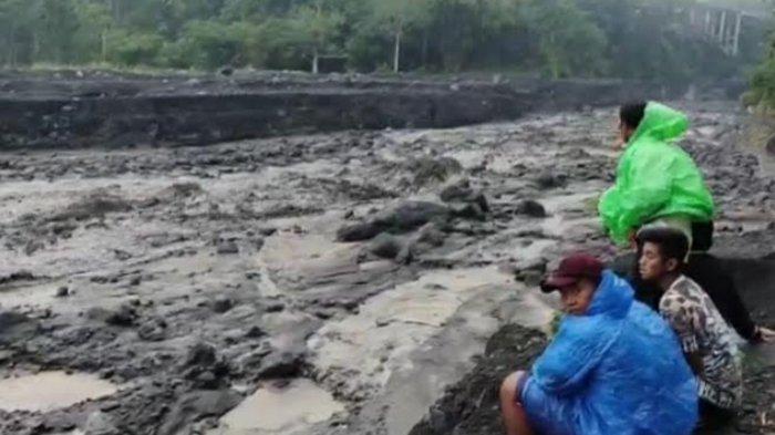 Banjir Lahar Dingin Gunung Semeru Terjadi Lagi Seusai Lumajang Diguyur Hujan Deras