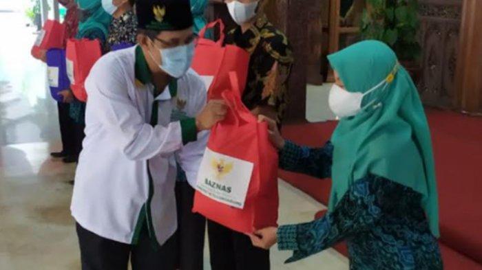 Pemkab Tulungagung Gandeng Baznas Beri Bantuan Sembako Warga yang Isolasi Mandiri