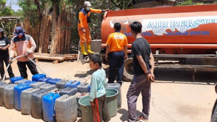 BPBD Situbondo Mulai Salurkan Bantuan Air Bersih untuk Warga Bendhusa