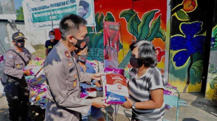 Polres Kediri Salurkan Bantuan Beras ke Sejumlah Komunitas Warga Terdampak Pandemi Covid-19