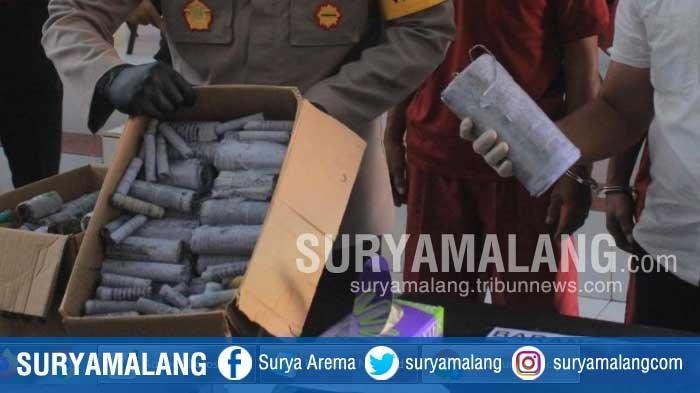Tangkap Pembuat Petasan, Polisi Blitar Sita 1,25 Kg Bubuk Petasan dan 145 Petasan Sudah Berisi Obat
