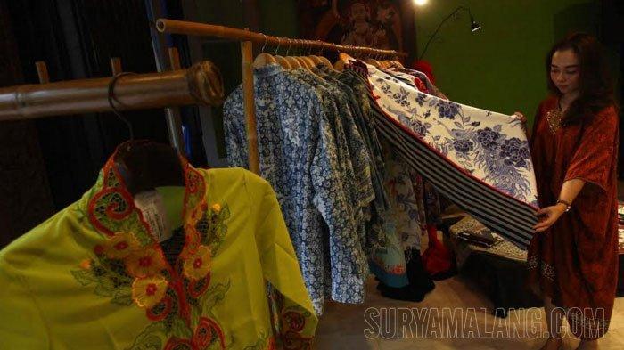 Hotel Tugu Malang Pamerkan Batik Penanda Harmoni Budaya Lokal dan Peranakan Tionghoa