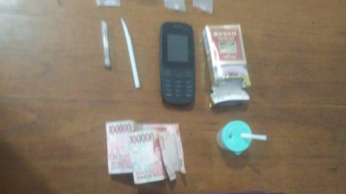 Gerebek Rumah di Sidoarjo, Polisi Menemukan 1 Cewek Sedang Pesta dengan 2 Cowok