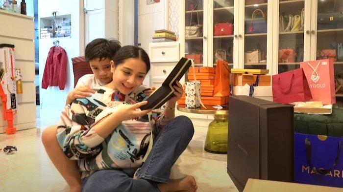 Benda Mungil di Kamar Nagita Slavina Bikin Heboh, Mama Gigi Berulah, Dikira Bingung Buang Duit