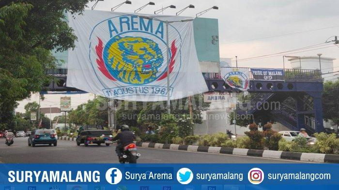 Jaga Tradisi, Aremania Kibarkan Bendera Singo Edan di Jalanan Kota Malang Sambut Hari Ulang Tahun