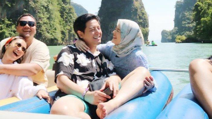 Beredar Video Ciuman Roger Danuarta & Cut Meyriska di Keramaian, 5 Momen ini Tak Kalah Romantis
