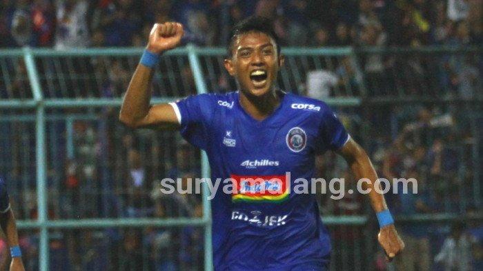 Diundang Bupati Malang, Dedik Setiawan Jadi Pemain Arema FC Pertama yang Divaksin Covid-19