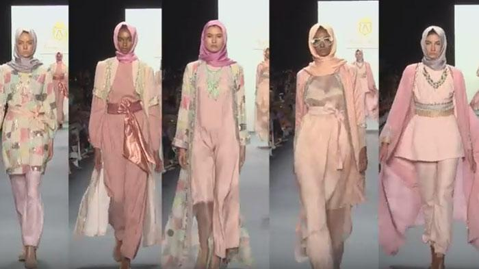 VIDEO : Hijab Desainer Indonesia Cetak Sejarah Baru di New York, Karyanya Jadi Sorotan Dunia