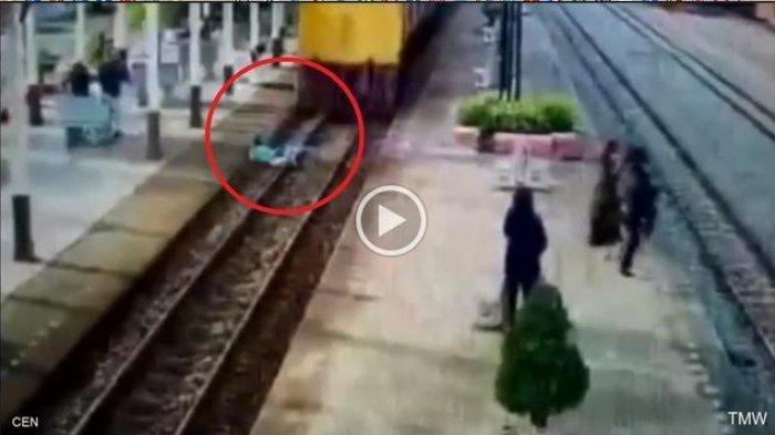 VIDEO: Aneh Bin Ajaib, Pria ini Tabrakan Diri ke Kereta Api Lalu Selamat, Apa Rahasianya?