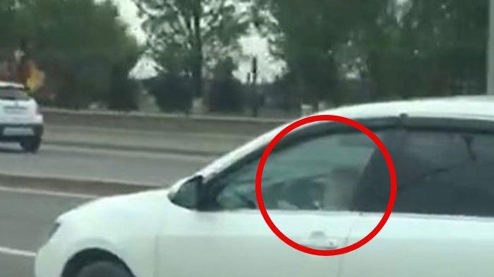 VIDEO: Astaga, Lihatlah Lingkaran Merah, Pantas Saja Mobil Toyota Camry ini Berjalan Tak Wajar