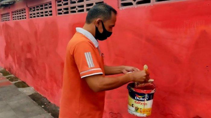 Ada Bersih-Bersih Mural di Kawasan Makam Bung Karno Kota Blitar Jelang Kunjungan Presiden Jokowi