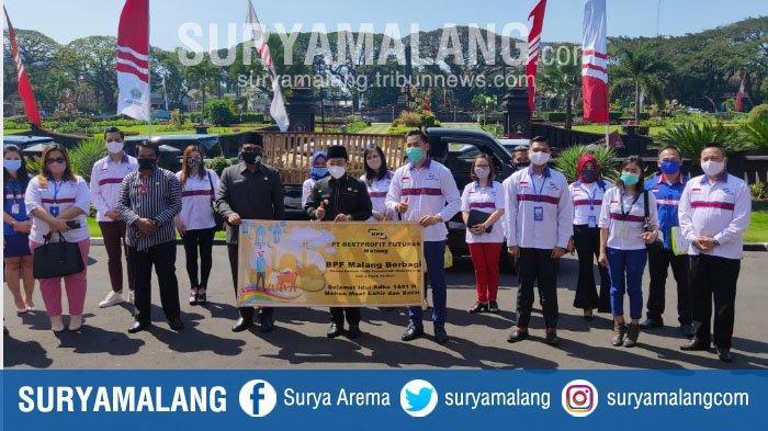 Jelang Idul Adha, Bestprofit Future Malang Serahkan 10 Hewan Kurban ke Pemkot Malang