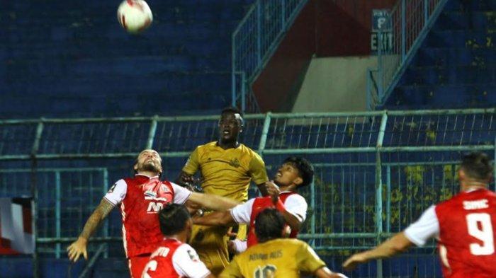 Gol Ezechiel Ndouasel Berhasil Bawa Bhayangkara Solo FC Unggul 0-1 Atas Persija Jakarta di Babak 1