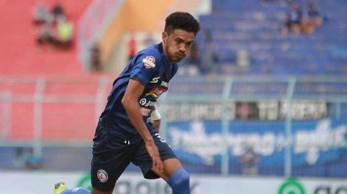 Biodata Alfin Ismail Tuasalamony, Pemain Mulitalenta Arema FC yang Berposisi Bek Sayap, Asal Maluku