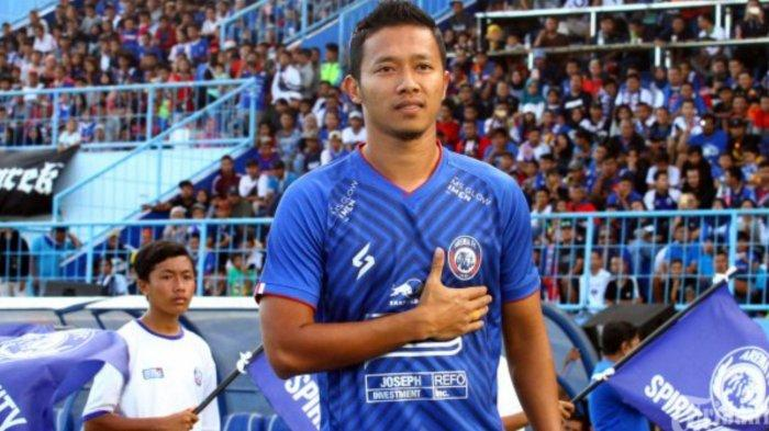 Dendi Santoso, Winger Arema FC yang mendukung tim Singo Edan di Piala Menpora 2021.