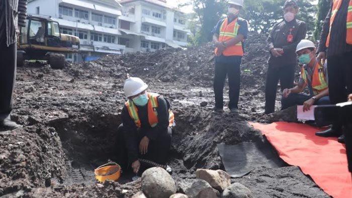 Wali Kota Sutiaji Letakkan Batu Pertama Pembangunan Block Office Mini, Ditarget Rampung Tahun Ini