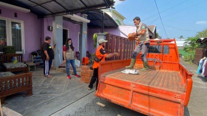 BPBD Kota Malang Salurkan Bantuan ke Warga Terdampak Gempa Blitar di Perumahan Griya Tirta Aji