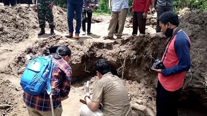 BPCB Jatim Periksa Struktur Bangunan Kuno di Lokasi Temuan Arca Siwa dan Parwati Tulungagung