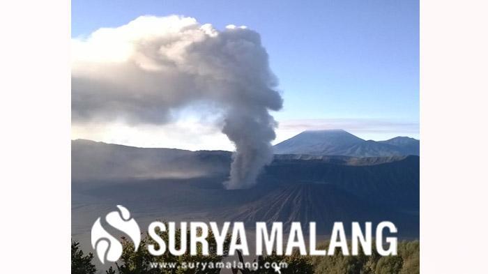 Abu Gunung Bromo Guyur Kabupaten Malang Selama Dua Jam, Bahayakah?