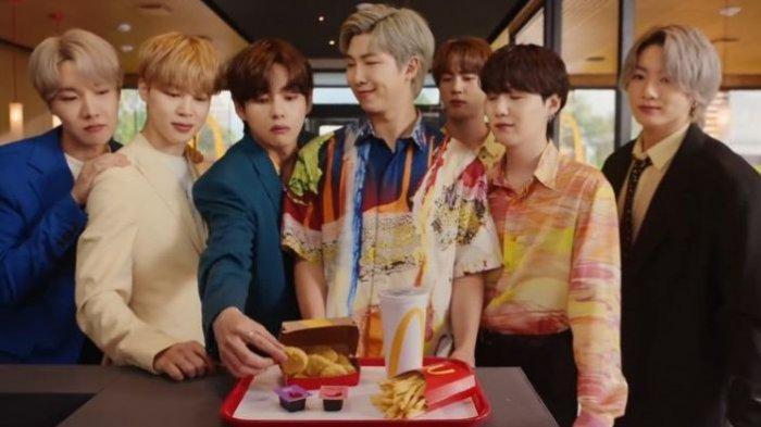 BTS ketika membintangi iklan BTS Meal.