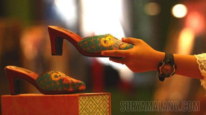 GALERI FOTO - Pameran Batik dan Perhiasan Bertema The Beauty of Peranakan Style di Hotel Tugu Malang