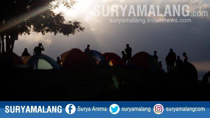 Suguhan Pemandangan Bak Negeri Dongeng di Bukit Sewu Sambang, Banyuwangi