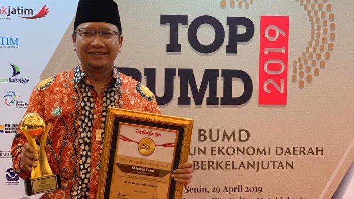 Bupati Pasuruan Bersama PDAM Giri Nawa Tirta Dapat Penghargaan Sebagai Pembina Dan BUMD Terbaik