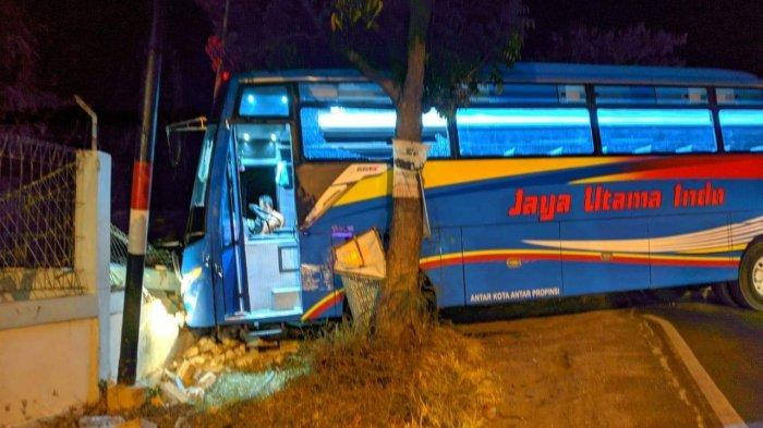 Ditrabrak Bus Jaya Utama Indo di Tuban, Pengendara Motor Asal Kediri Tewas Mengenaskan