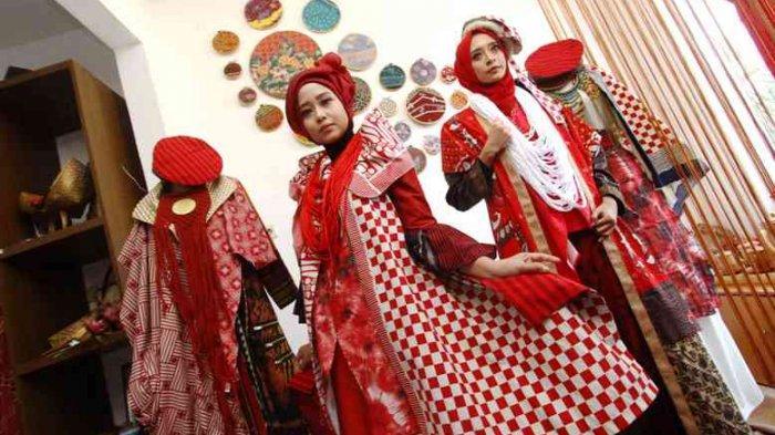 Febby AntiQue Bikin Baju Terinspirasi Semangat Kemerdekaan