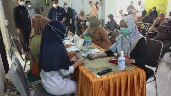 962 Calon Jemaah Haji (CJH) Kota Malang Jalani Vaksinasi Covid-19 di RSI Unisma