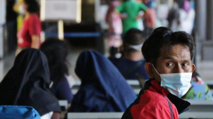 Jelang Pemberlakuan Larangan Mudik, 2,300 Penumpang Kereta Api Padati Stasiun Gubeng Surabaya
