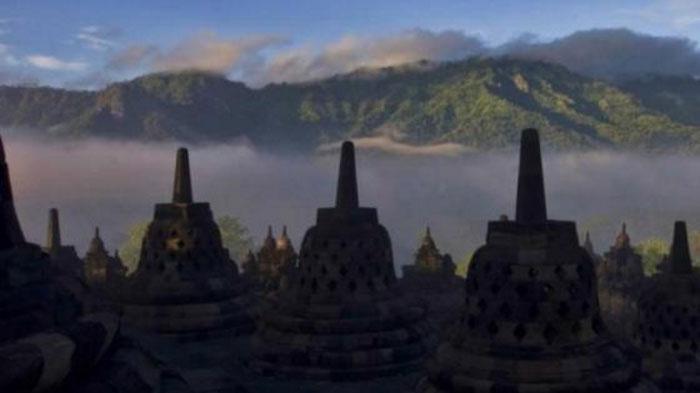 Berkunjung ke Candi Borobudur, Obama dan Rombongan Sangat Antusias Mendengarkan Kisah Ini . . .